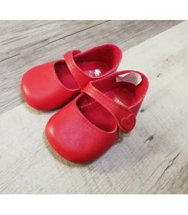 Zapatos de piel bebé rojo.